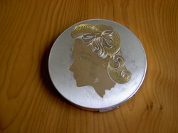 Elgin American Lady's Head Poder Compact, Rita Hayworth, Joan Crawford, Compact Clinic, Geoff Craven, Powder Compact Repairs, restoration, Vintage Powder Compacts, Repair, Restoration, Mirror, Hinge, Catch, Re-Lacquering, Re-Silvering, Stratton, Kigu, Collectors, Vanity, dealers, Geoff Craven, Margaret Craven, Workshop, The Compact Clinic, art deco, Antique Fairs, broken mirrors, damaged hinges